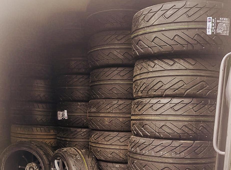 Хранение шин - 2500₽ сезон (пол года)